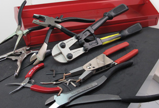 PLIERS & BOLTS CUTTERS